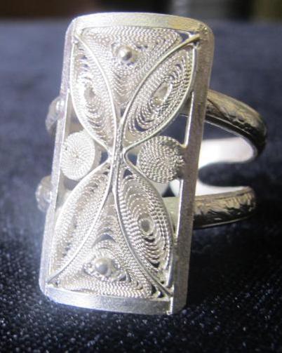 anillo cuadrado