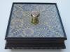 porta-caramelero-de-madera-con-tapa-de-vidrio-y-detalles-de-Ñanduti-001